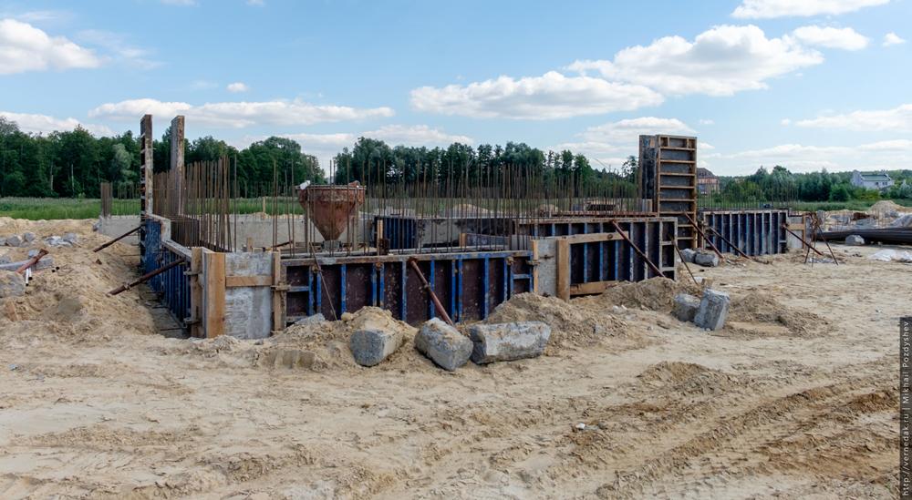Строительство у плотины